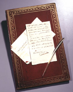 Napoléon's first will, envelope, quill pen and desk blotter